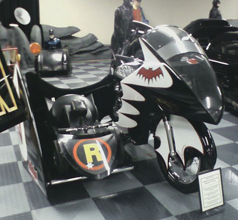 Batcycle with Robin Sidecar